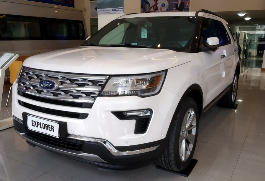 Ford Explorer Limited Màu Trắng
