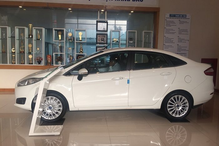 Fiesta 4 cửa 1.5L AT Titanium full