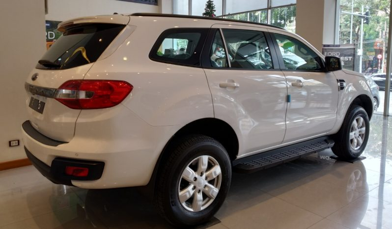 Ford Everest Ambiente 2.0L 4×2 MT full