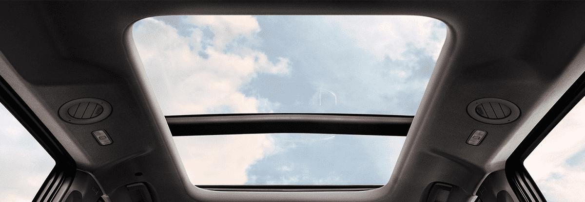 Cửa sổ trời toàn cảnh Panorama Của Ford everest 2021