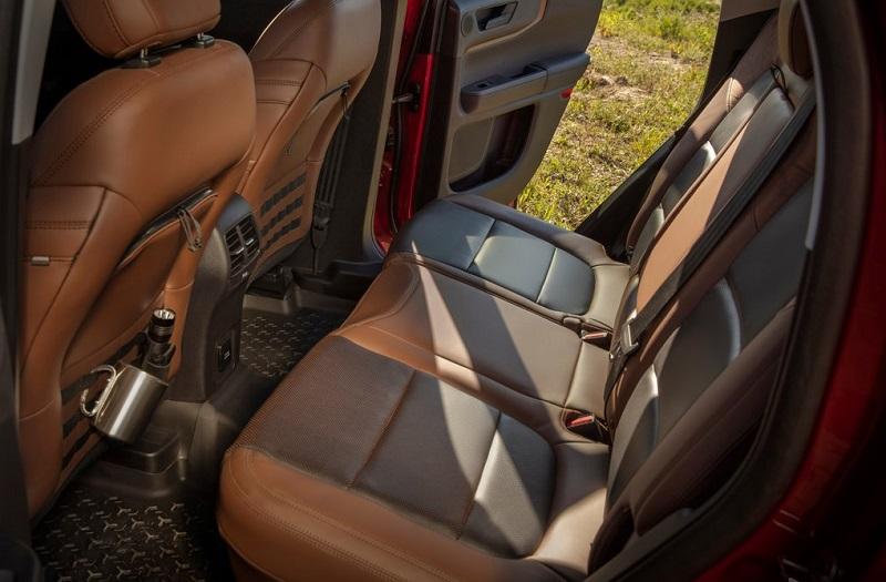 Hàng ghế thứ hai của Ford Bronco 2021 sang trọng
