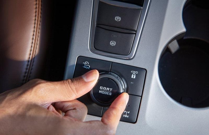 Ford Bronco 2021 Với nút cài cầu điện tử Ford Thăng Long